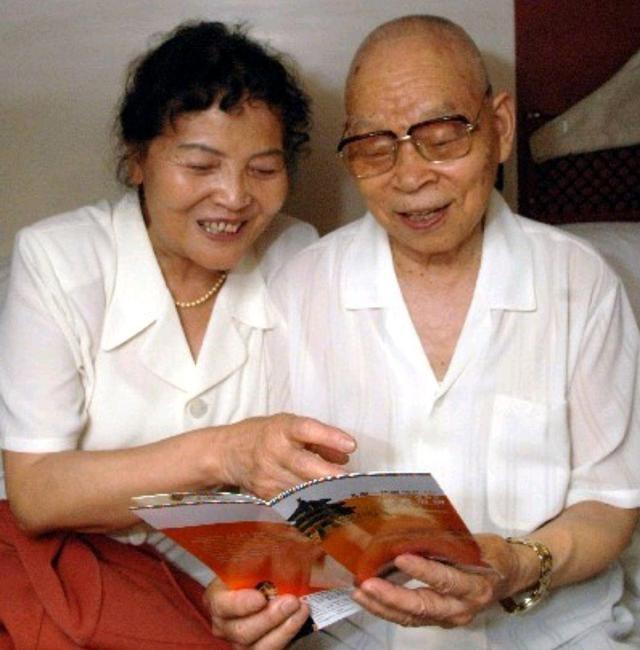 今年99岁的他曾主政西藏,中将军衔,参与平定叛乱,指挥对印作战