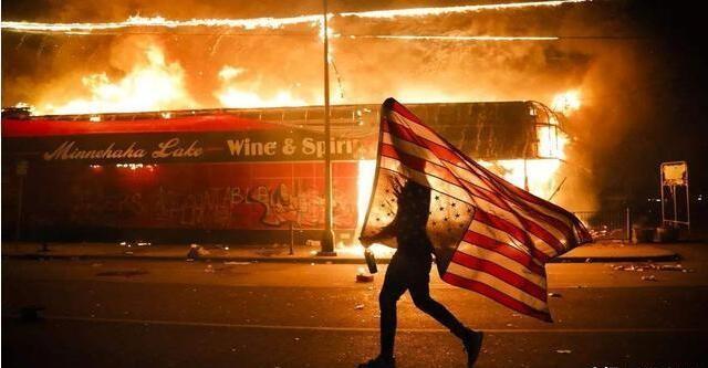 """""""帝国毁灭者""""戈尔巴乔夫,曾亲手瓦解苏联,预言美国有同样下场"""