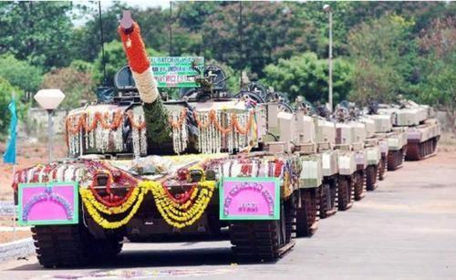 耗时6个月运来118辆坦克,印军边境惨状被曝光,莫迪下令严查内奸