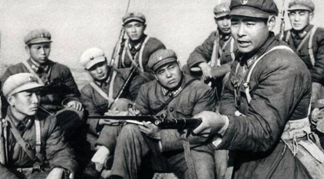 抗日战场拼刺刀之时,为什么日军会配合,而不是拿枪扫射?
