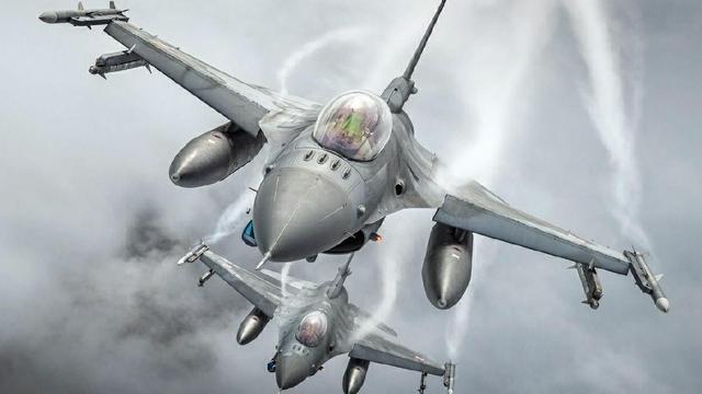 """""""毒蛇""""的诱惑:美军为何重新采购F-16战机"""