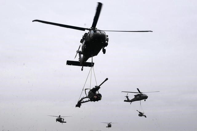 """首次披露!中国""""黑鹰""""列装西藏军区在高原训练"""