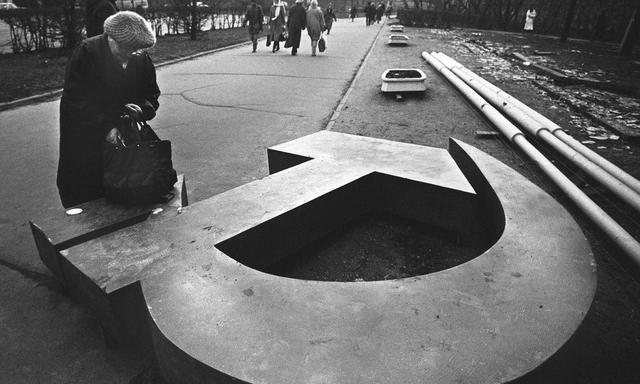 1991年,苏联为啥主动解体?4大原因,其中一条和中国相关