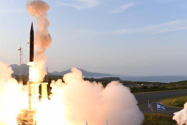 美国开发新导弹防御系统,誓比俄S500还强,但防不住我国一款武器