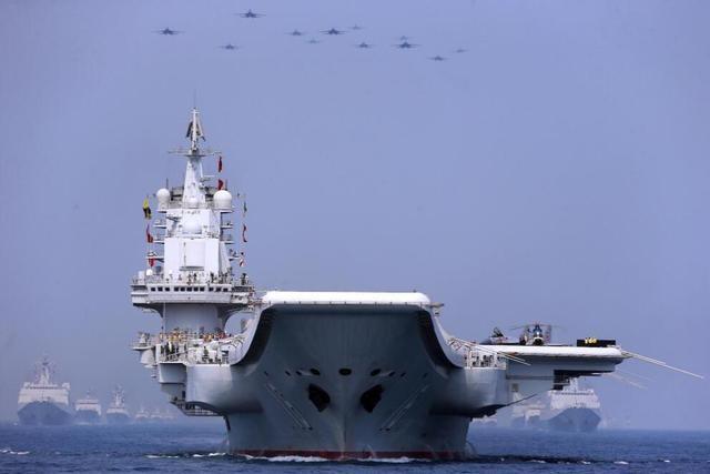 美专家:美国数千亿军费都干啥了?再增军费也打不过中国
