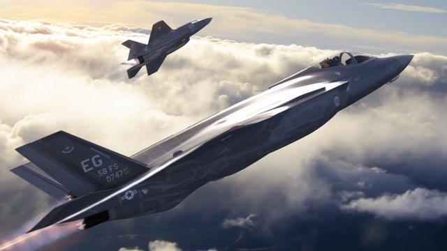 """美国战机发生""""连锁反应"""",F-22战机刚坠机,F-35接着被高官嫌弃"""