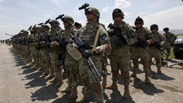 如果俄罗斯被美国打败,125万俄军会面临什么局面?专家4字回复