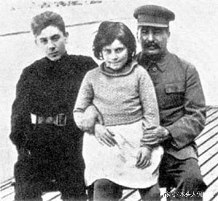 斯大林的女儿晚年出逃美国最终结果如何?插图1