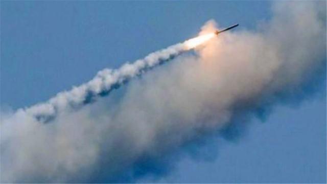 中东大战即将打响?数枚导弹命中伊朗军舰,美航母进入战备状态