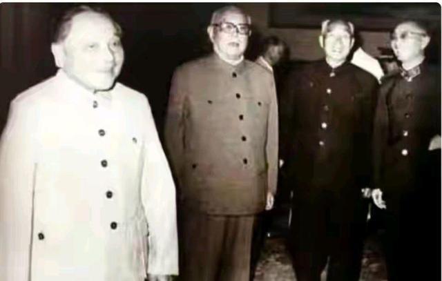 邓小平点将张爱萍出任军委秘书长,为何张爱萍拒绝并让职罗瑞卿?