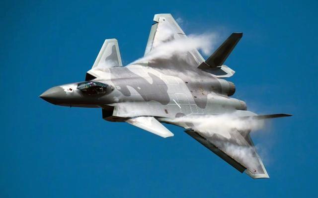 除歼20外,成飞还有多个四代机方案,还有可能列装吗?