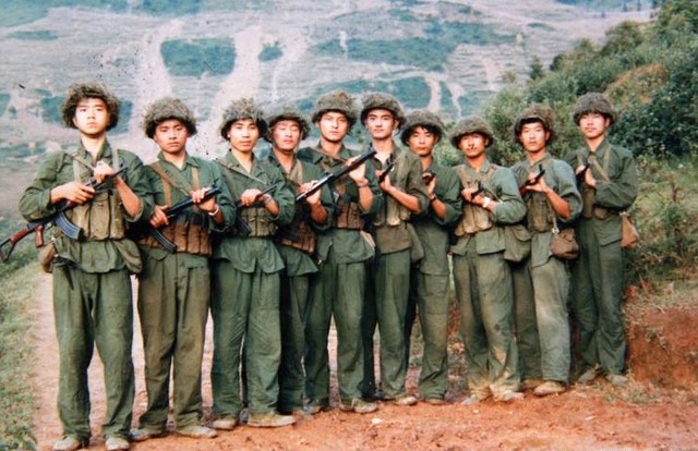 在战场上,士兵为何配备150发子弹?打完了怎么办?