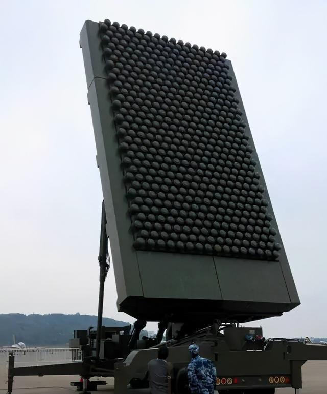 无所遁形!中国反隐身雷达性能先进,让F22无处可藏